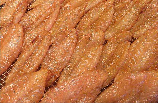 自社の手作り品。豊浜産フグの干物(年中あります)。