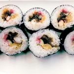 人気の太巻き寿司 1本700円(中身は日替わり)